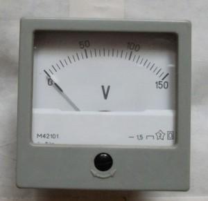 voltmetr M42101