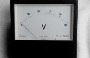voltmetr M903
