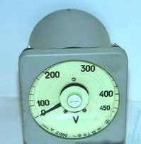 voltmetr D1600