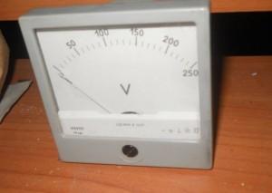 voltmetr V42100